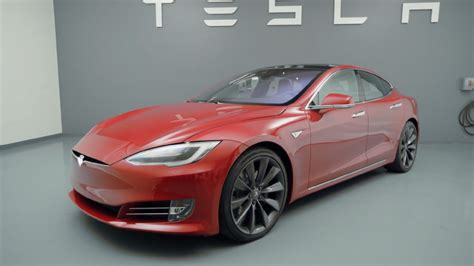 Tesla fires back at claims that its cars suffer from major