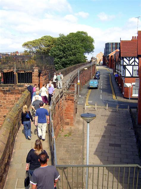 Chester city walls - Simple English Wikipedia, the free