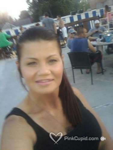 Stacy / 46 / Female / Louisville, Kentucky, United States