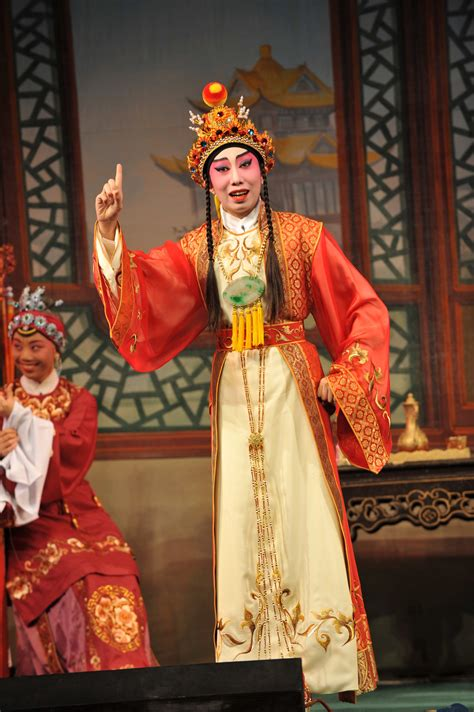 Breathing New Life Into Cantonese Opera - NYTimes