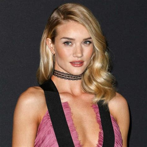 Rosie Huntington-Whiteley Height,Weight,Age,Family,Salary
