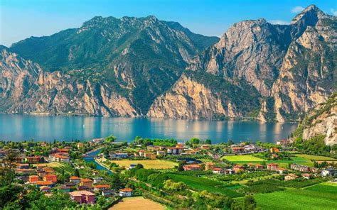 North or South shore of Lake Garda, where should you stay?